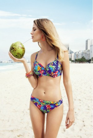 Bikini estampado floral de Freya copa E