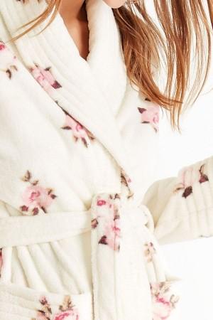 Bata invierno larga beige estampado de rosas de Promise