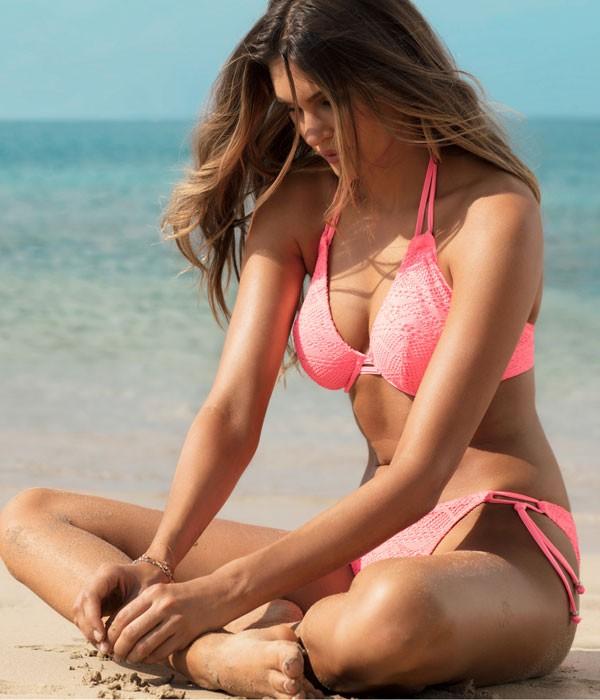 Bikini copa E en rosa fluor coleccion Sundance de Freya