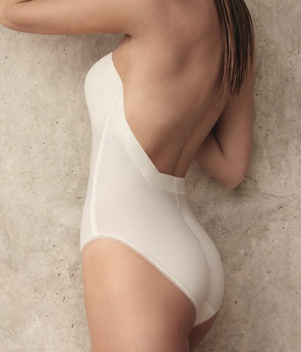 Body espalda descubierta escotada Selmark novias Etna