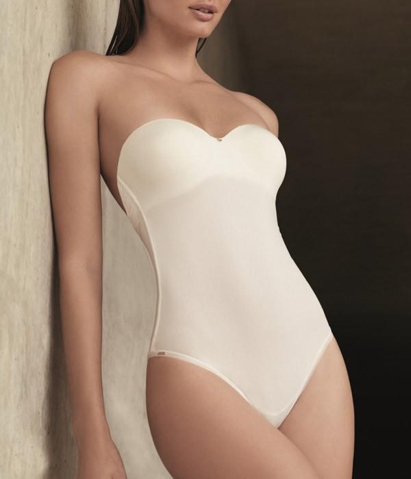 Body para novias con la espalda escotada by Selmark Novias