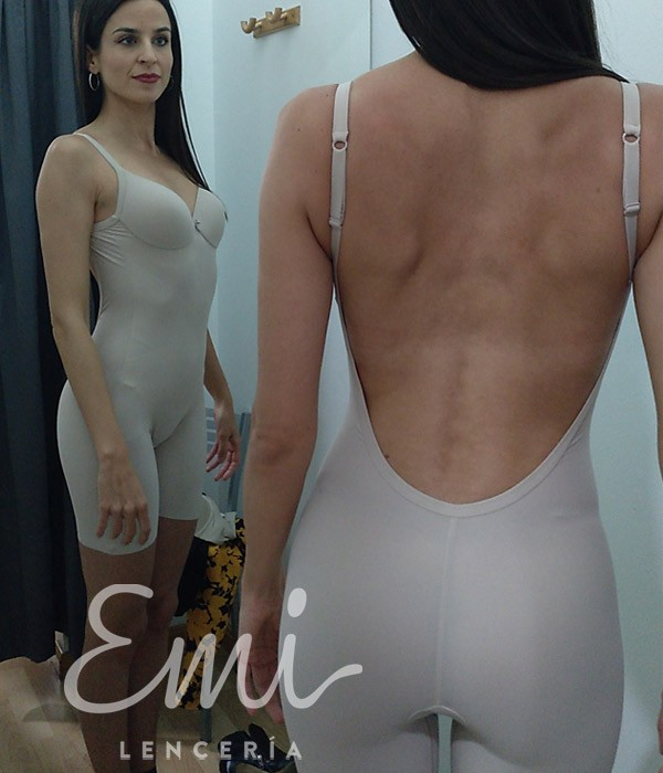 body sin espalda con pierna espalda descubierta, body espalda al